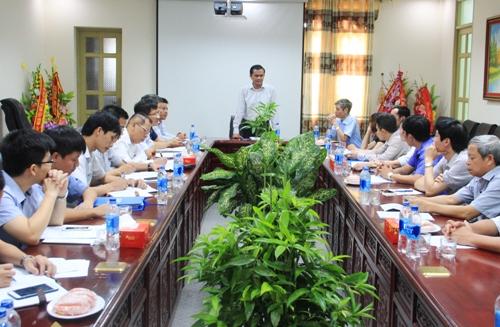 Phó Chủ tịch UBND tỉnh Ngô Văn Tuấn làm việc tại Công ty CP Dụng cụ thể thao Delta.