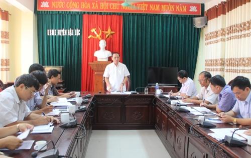 Phó Chủ tịch Thường trực UBND tỉnh Nguyễn Đức Quyền kiểm tra một số tuyến đê, sông trọng yếu trên địa bàn tỉnh.