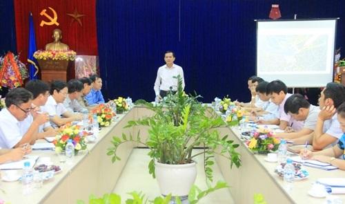 Phó Chủ tịch UBND tỉnh Ngô Văn Tuấn kiểm tra 2 dự án thủy điện tại huyện Thường Xuân.