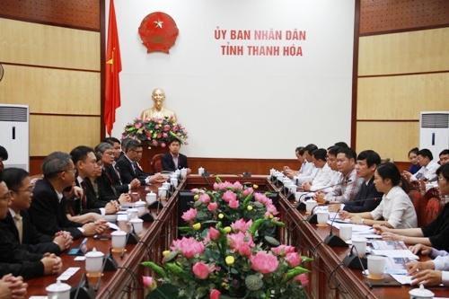 Chủ tịch UBND tỉnh Nguyễn Đình Xứng tiếp và làm việc với Đoàn doanh nghiệp Singapore đến khảo sát, tìm kiếm cơ hội đầu tư tại Thanh Hóa.