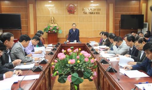 Phó Chủ tịch UBND tỉnh Phạm Đăng Quyền nghe báo cáo về cơ chế, chính sách xã hội hóa giáo dục mầm non giai đoạn 2018 - 2030.